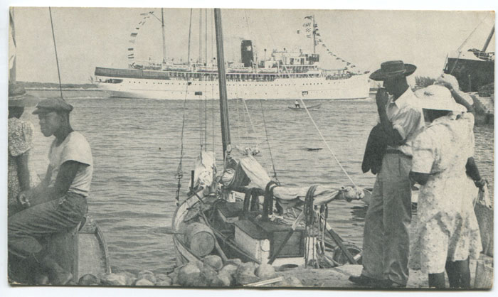 ANON S.S. New Northland entering Nassau Harbour.